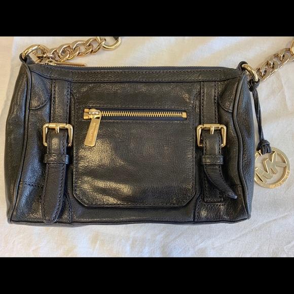 Michael Kors Handbags - Authentic Michael Kors Crossbody PRICE NEGOTIABLE
